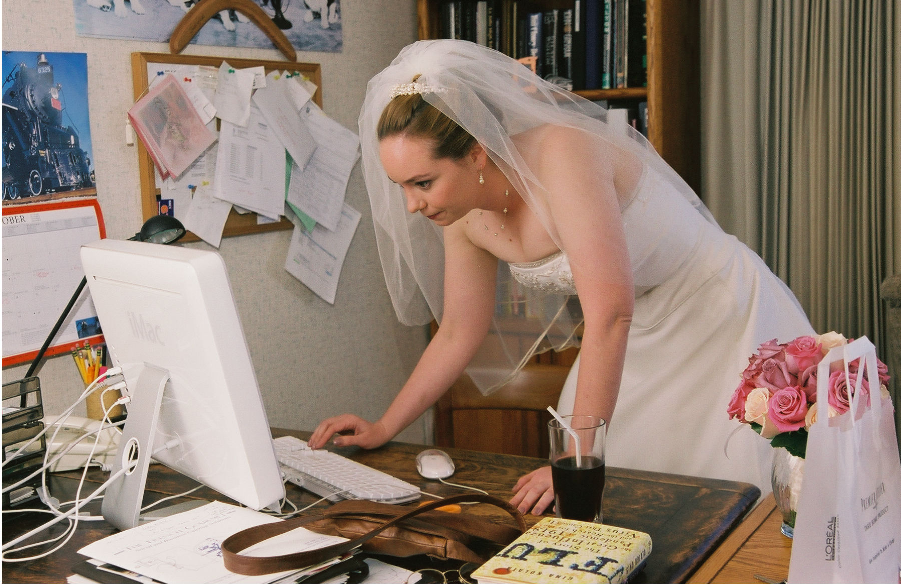Group shopping online wins big with brides
