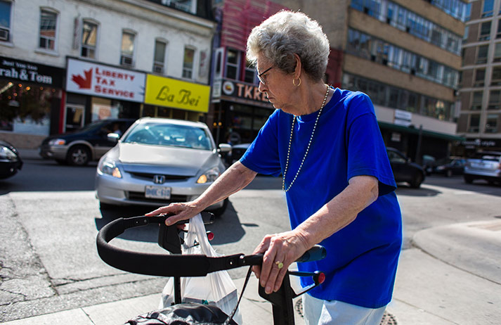 How are cabbies helping out seniors?