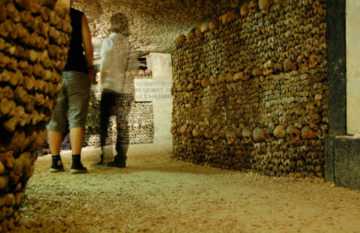 A Halloween experience in the Paris Catacombs