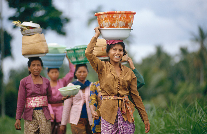 How has plastic kitchenware empowered generations of women?