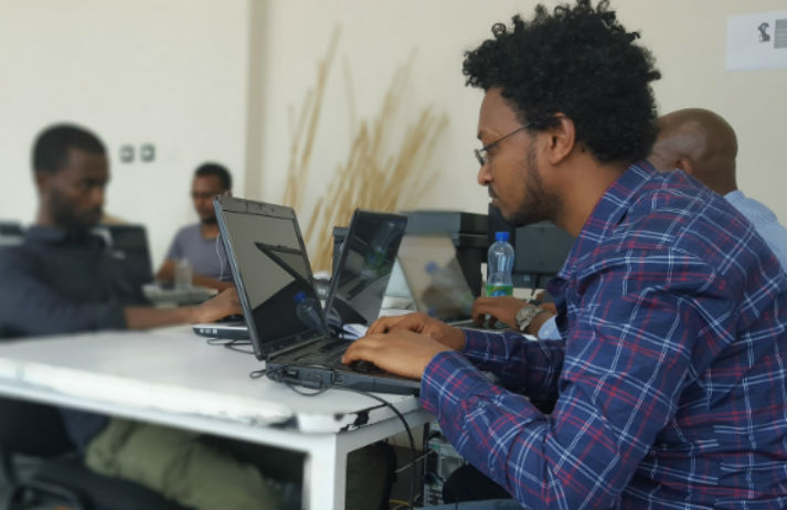 Berlin non-profit trains refugees as coders