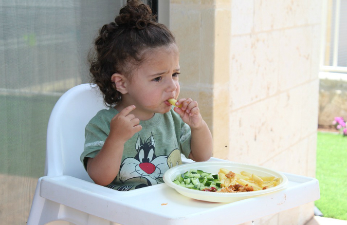 What is a bite of broccoli worth to a kid?