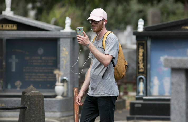 Why are tourists taking the time to visit graveyards?