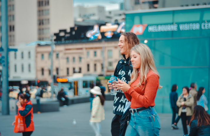 Aussies favour personal shopping over AI