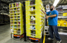 Amazon employs robots for Christmas rush