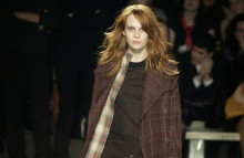 Burberry's new interactive scarf display