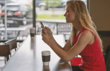 Small screens frustrate people when mobile shopping