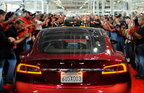 How did Tesla gain such a huge cult following?