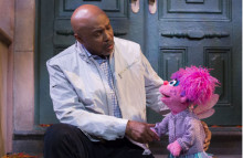 Sesame Street sends text tips to parents