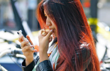 Mobile payments go social