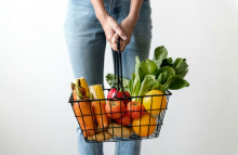 Healthy eating guidelines too expensive for UK families