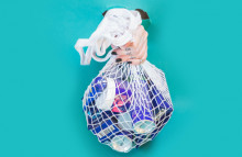 How are Americans limiting their plastic waste?