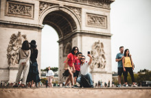 Greener Champs-Élysées aims to strengthen local ties