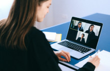 Weet lets remote workers talk on their own time