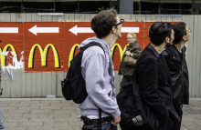 McDonald's trials organic burger in Germany